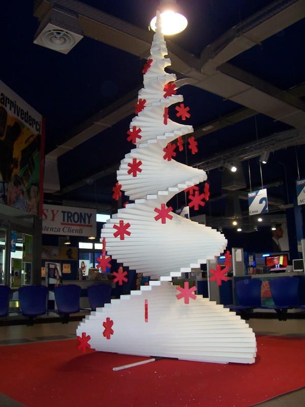 Realizzazione allestimento Natale Trony